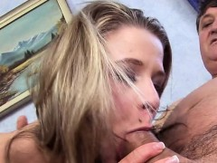 Amateur wild pussy to mouth